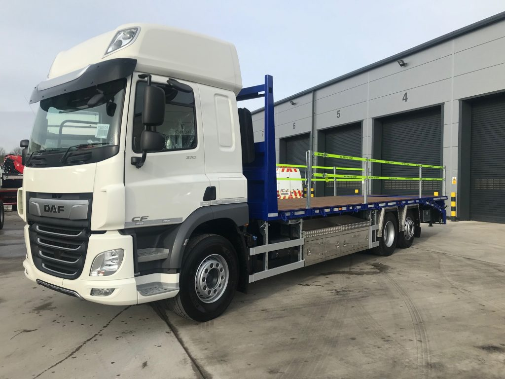 front side view of a 2019 daf beavertail truck