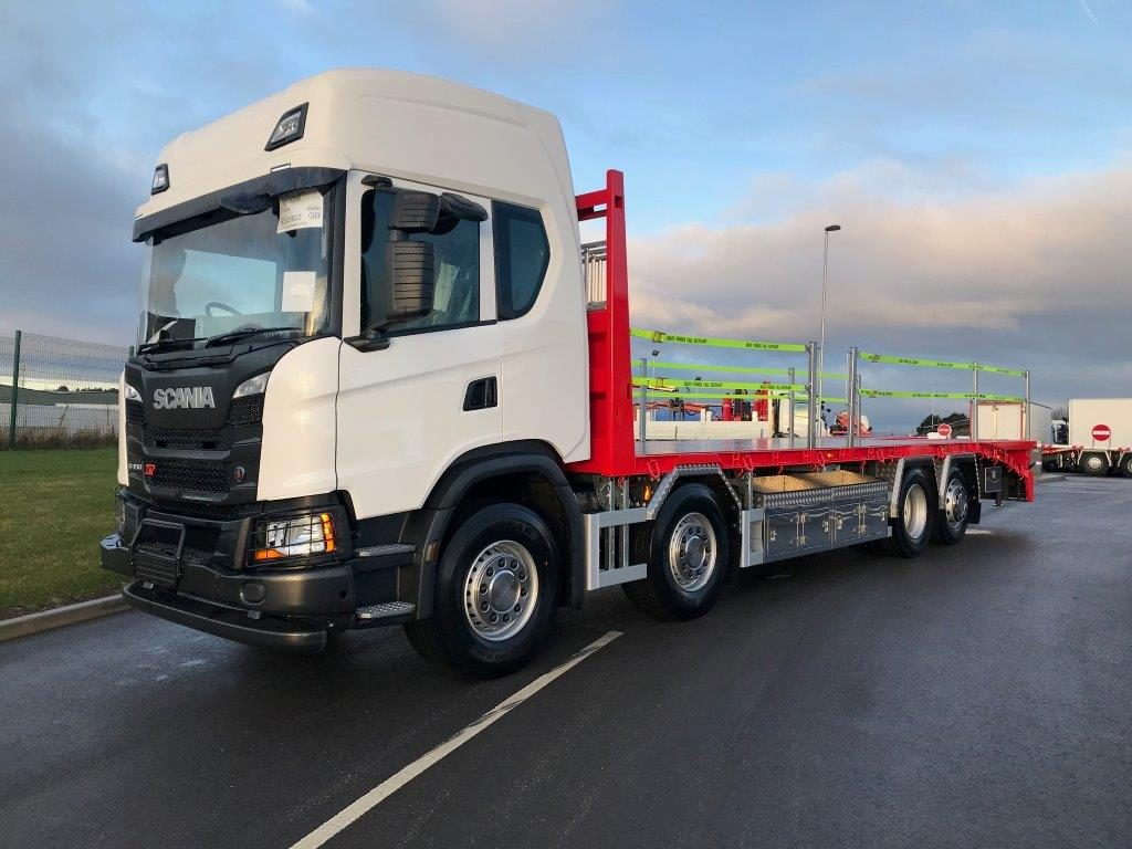 Sideview of 2019 Scania low profile beavertail plant body